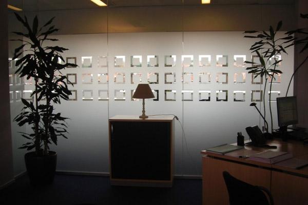 vitre sabl e pose de film sabl pour sablage vitre vitrine et vitrage. Black Bedroom Furniture Sets. Home Design Ideas